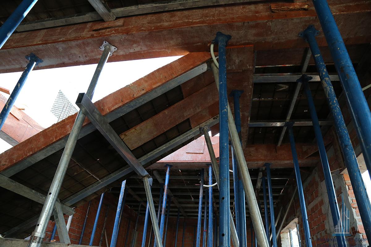 Chống tăng cầu thang sàn tầng 2