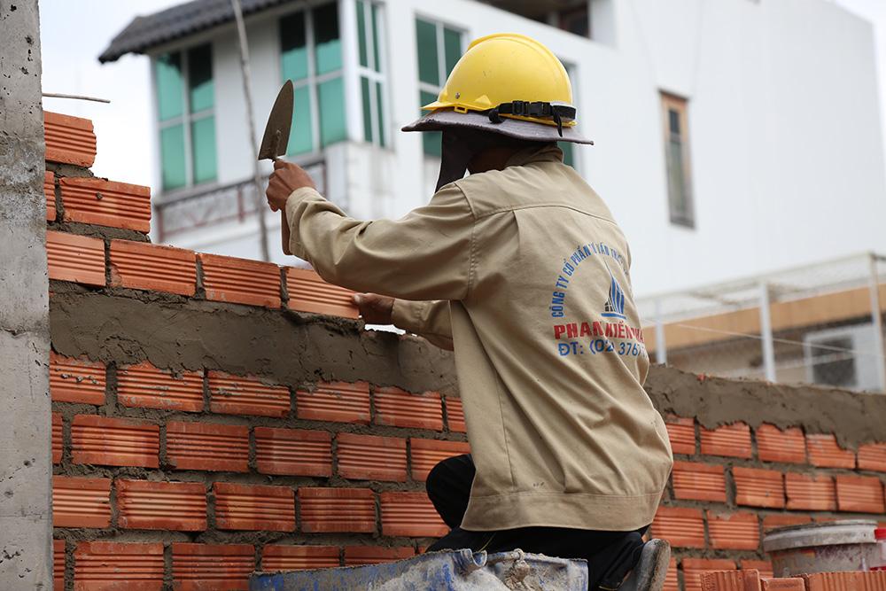 Công đoạn xây tường bao lầu 1 góc 4