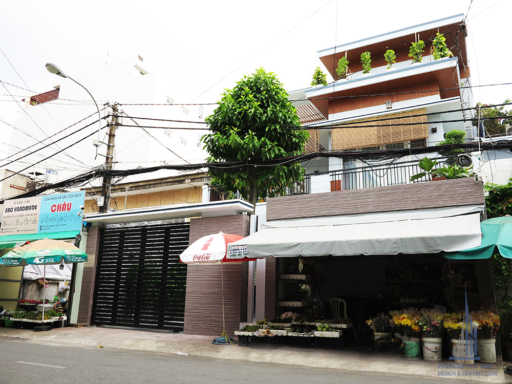 Công trình biệt thự hiện đại 3 tầng góc view 1