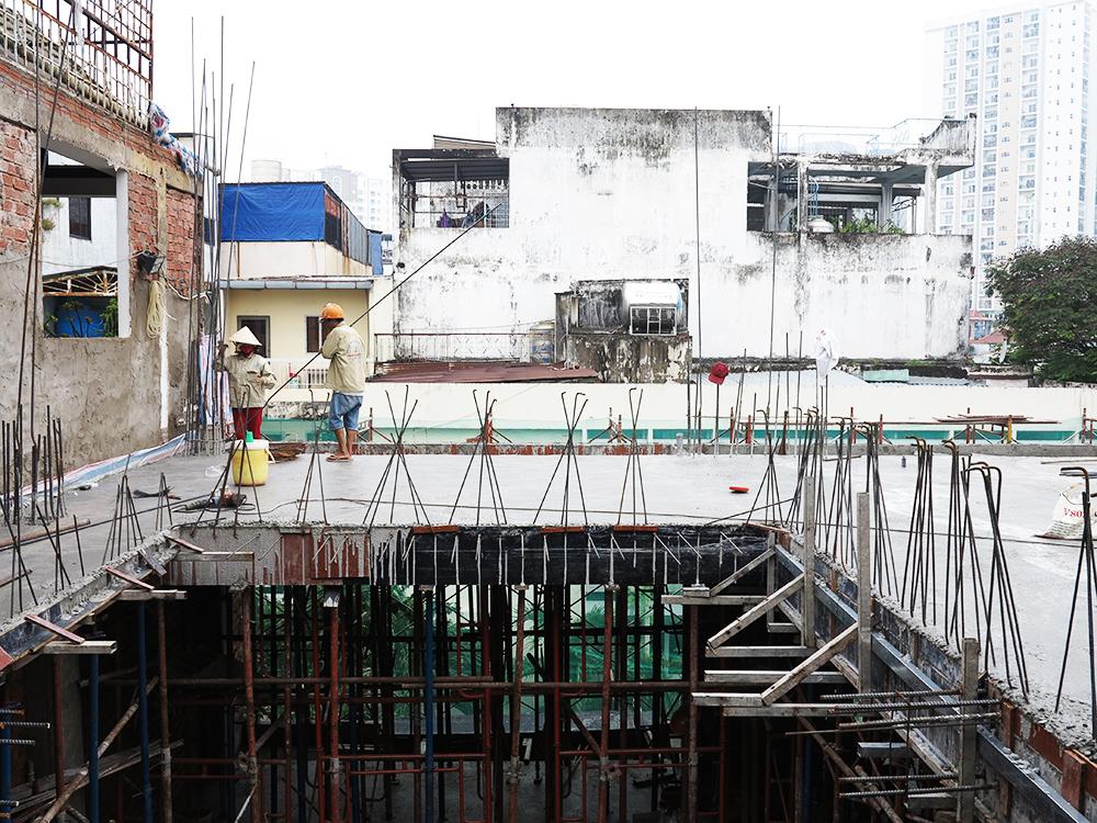 Công trình tòa nhà văn phòng do Phan Kiến Phát thiết kế thi công góc view 25