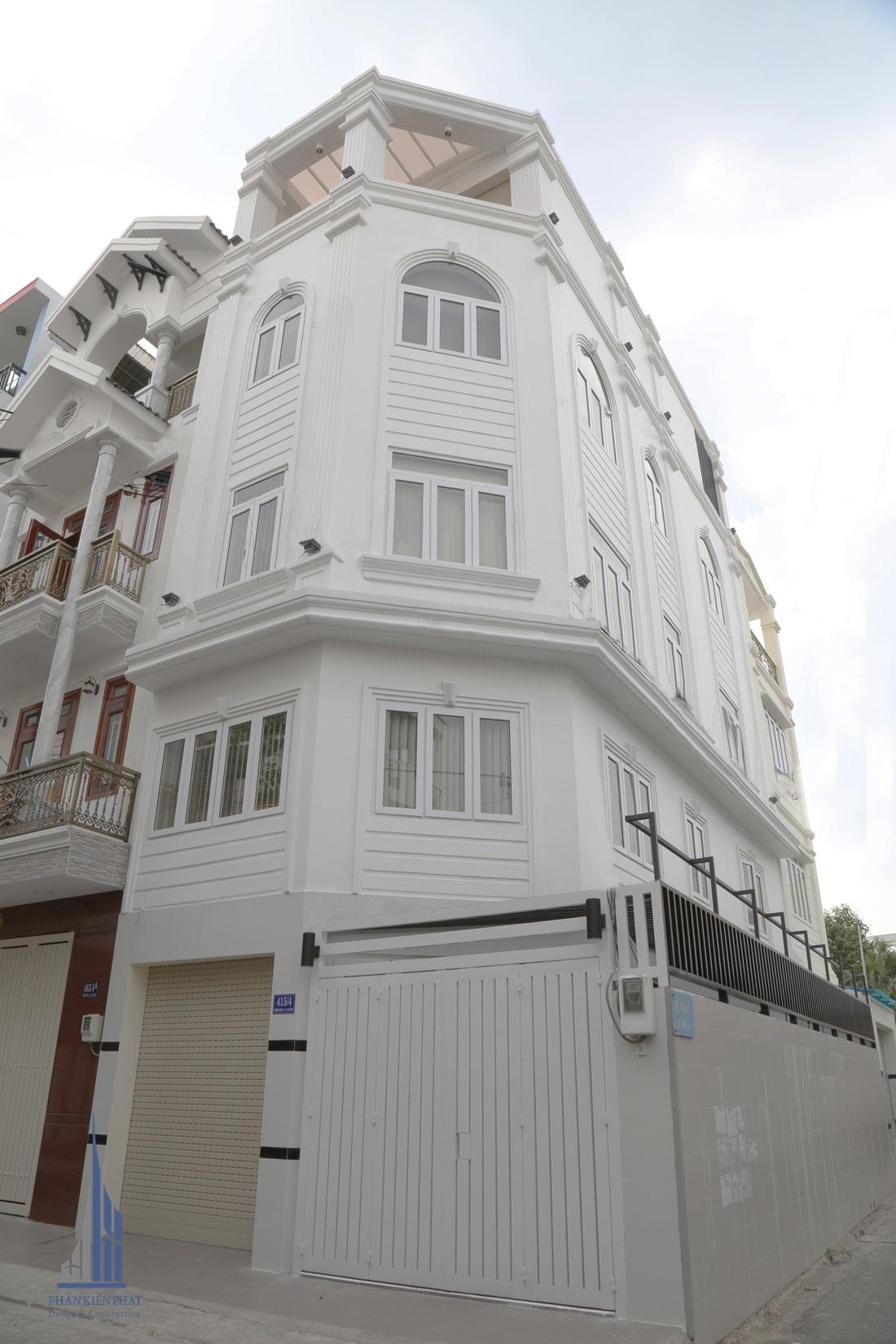 Mặt tiền Công trình biệt thự phố 4 tầng diện tích 4,5m x 12,5m được hoàn thiện