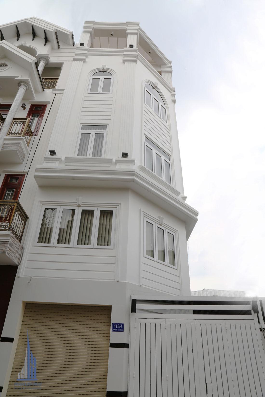 Mặt tiền Công trình biệt thự phố 4 tầng diện tích 4,5m x 12,5m hiện đại sang trọng thu hút mọi ánh nhìn