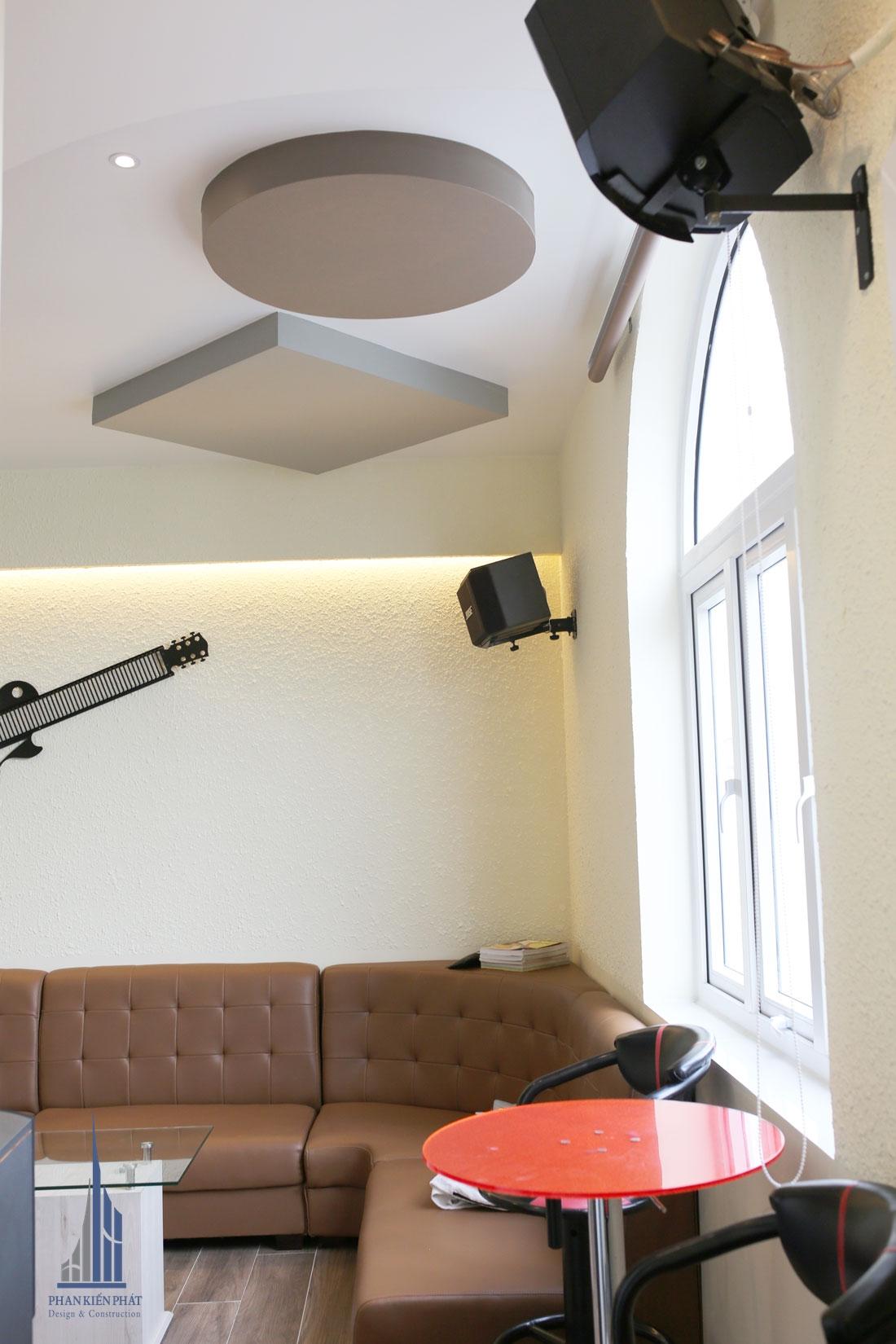 Phòng giải trí karaoke view 1