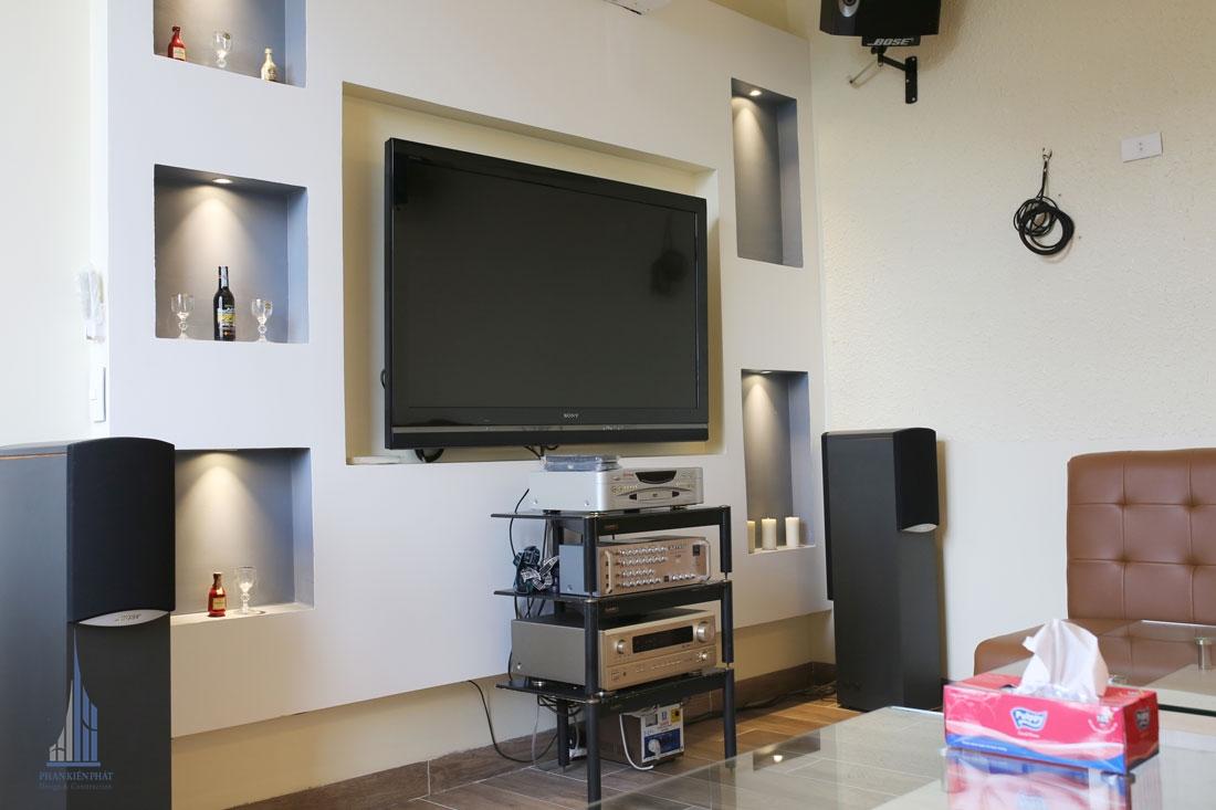 phòng karaoke với trang thiết bị hình ảnh âm thanh hiện đại sống động