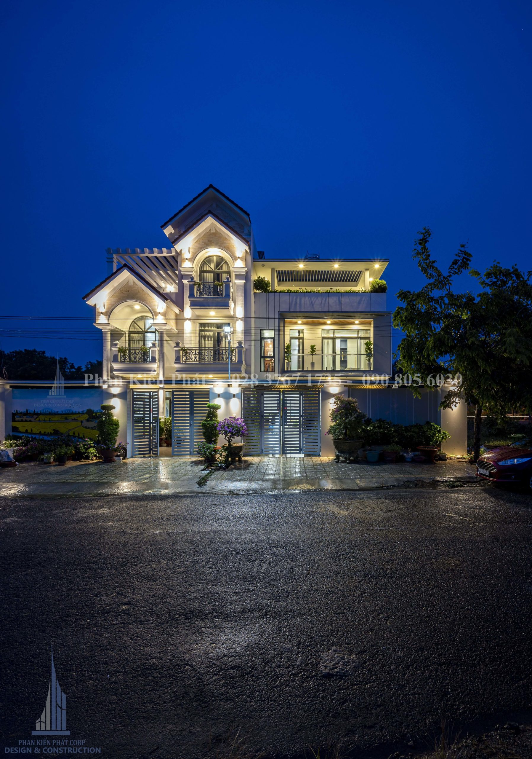 Hoan Thanh 2cong Trinh Biet Thu Theo 2 Phong Cach Co Dien Va Hien Dai 1 Tkxdnd